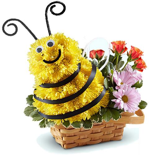 """""""Медовая пчелка"""". Фигура из живых цветов"""